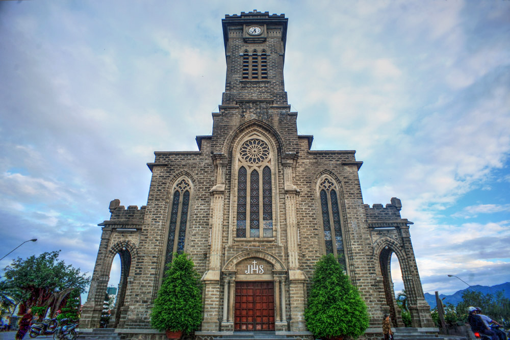 Kết quả hình ảnh cho nhà thờ chánh tòa kito vua nha trang